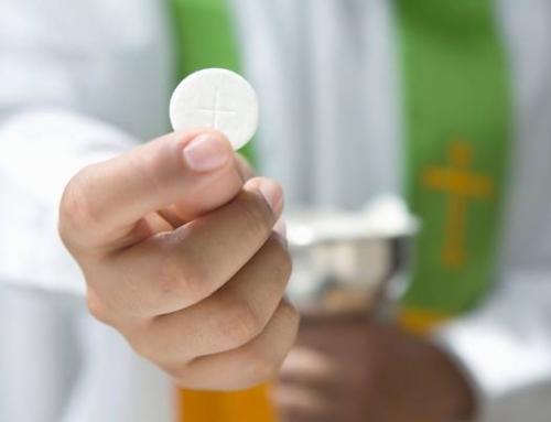 Messaggio sulla comunione in mano